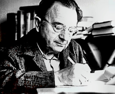 Author Erich Fromm