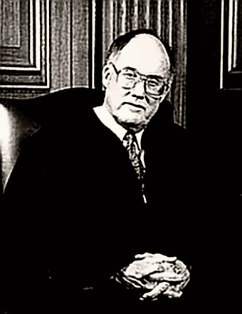 earl warren vs william rehnquist Earl warren: earl warren, american jurist, the 14th chief justice of the united states (1953–69), who presided over the supreme court during a period of sweeping changes in us constitutional law, especially in the areas of race relations, criminal procedure, and legislative apportionment.