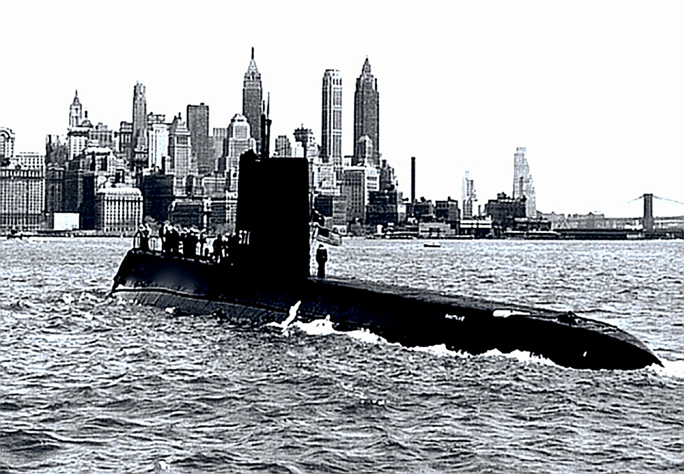USS Nautilus (SSN-571) underway in New York harbor