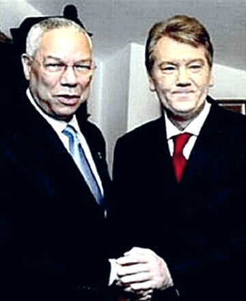 President Viktor Yushchenko with Secretary Colin Powell